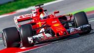 Sebastian Vettel und Ferrari wollen Mercedes endlich wieder Konkurrenz machen.