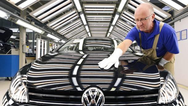 Der europäische Automark schrumpft weiter, VW baut seine Spitzenposition aus