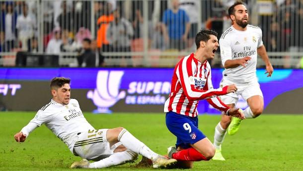 Spieler von Real Madrid für brutales Foul bejubelt