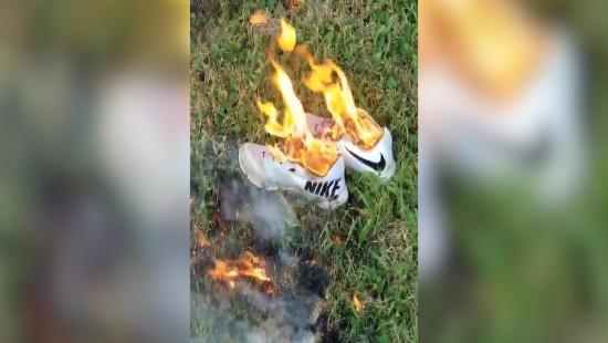 Und die Schuhe brennen