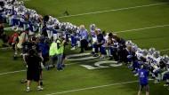 Klubbesitzer Jerry Jones kniete mit seinen Spielern auf dem Feld.