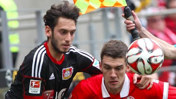 Leverkusen gewinnt nach der Pokal-Schlacht