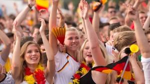 Zehntausende Deutsche feiern ihre Elf