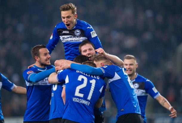 Bild zu: 2. Bundesliga: Arminia Bielefeld besiegt FC St. Pauli 5:0 - Bild 1 von 1 - FAZ