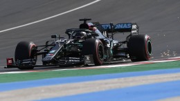 Hamilton holt Pole Position in Portugal