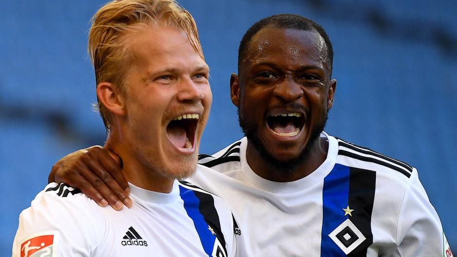 Hamburger Torschützen unter sich: Joel Pohjanpalo (links) und David Kinsombi