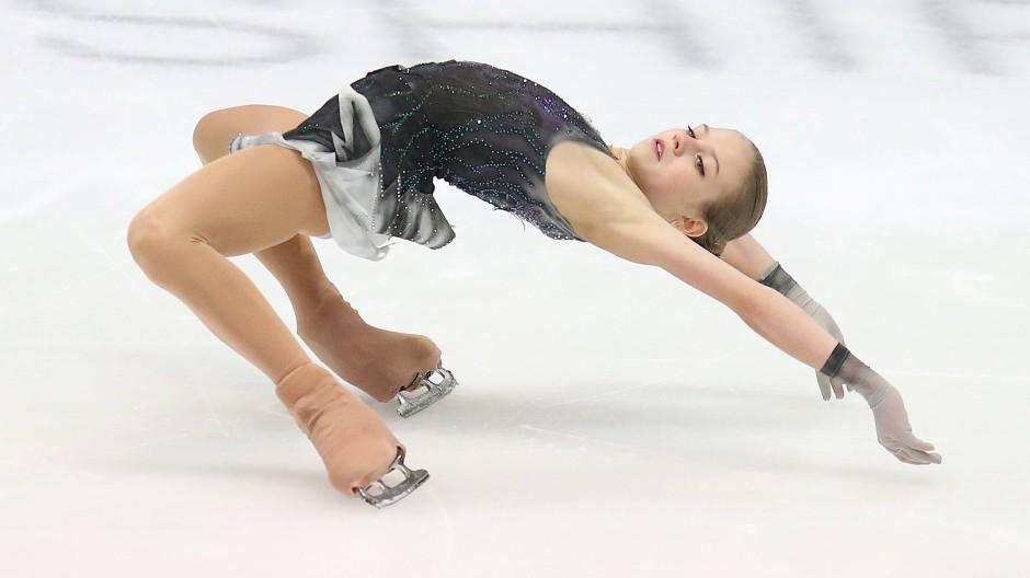 Höchste Koordination: Alexandra Trussowa auf dem Eis von Graz