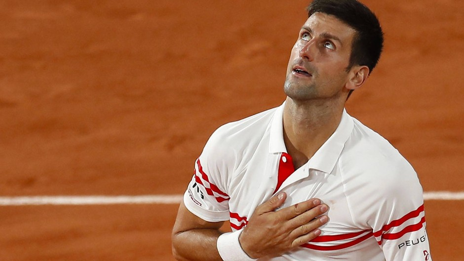 Novak Djokovic besiegt Rafael Nadal im Halbfinale der French Open.