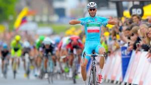 Nibali trägt gelb - Cavendish verletzt