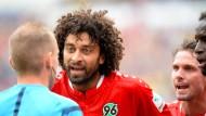 Foulelfmeter, Eigentor, Handelfmeter: Hannovers Felipe hatte nicht seinen besten Tag im Spiel gegen Dortmund.