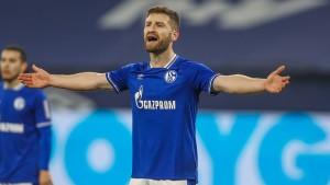 Schalke 04 trennt sich von zehn Spielern und drei Betreuern