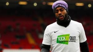 Stadionverbot für Rassisten