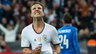 """""""Oh, wie ist das schön"""": Bayern-Reservist Mario Götze ist das Glücksgefühl nach seinem Tor deutlich anzusehen"""