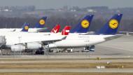 Lufthansa-Piloten streiken auch am Freitag