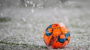 Leverkusen gewinnt die Schneeballschlacht