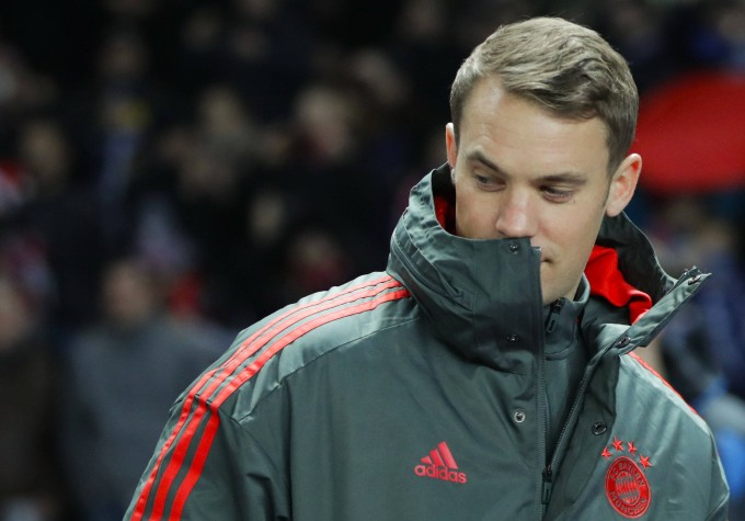 Der verletzte Torwart Manuel Neuer sah das Spiel nur von der Bank aus.