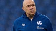 Der Mann für die ganz schwierige Mission: Schalke-Trainer Christian Gross