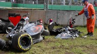 Viel ist vom Auto von Fernando Alonso nicht mehr übrig.