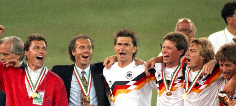 Weltmeister 1990 Franz Beckenbauer Und Der Fussball