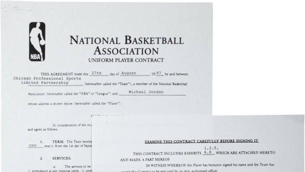 Vertrag von Basketball-Legende wird versteigert