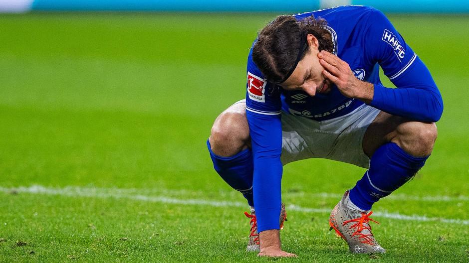 Bittere Enttäuschung: Schalke 04 um Benjamin Stambouli verliert auch gegen Leverkusen.