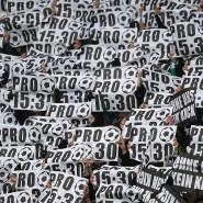 Die Fans bevorzugen Spiele am Samstag Nachmittag, die DFL hat andere Pläne