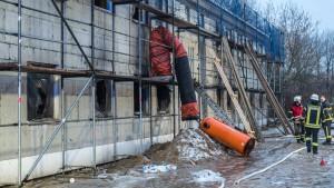 Brandstifter planten Explosion in Unterkunft für Asylbewerber