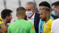 Diskussionsrunde statt Fußballspiel mit Messi (l.) und Neymar (r.)