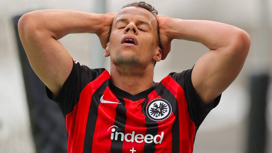 Lange in Rückstand, am Ende immerhin noch ein Punkt: Timothy Chandler und die Eintracht beim Derby gegen Mainz