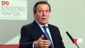 Schröder: Rentenpläne absolut falsch