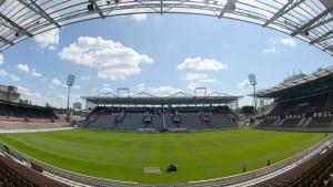 DFB deckt Banner ab - Fans empört