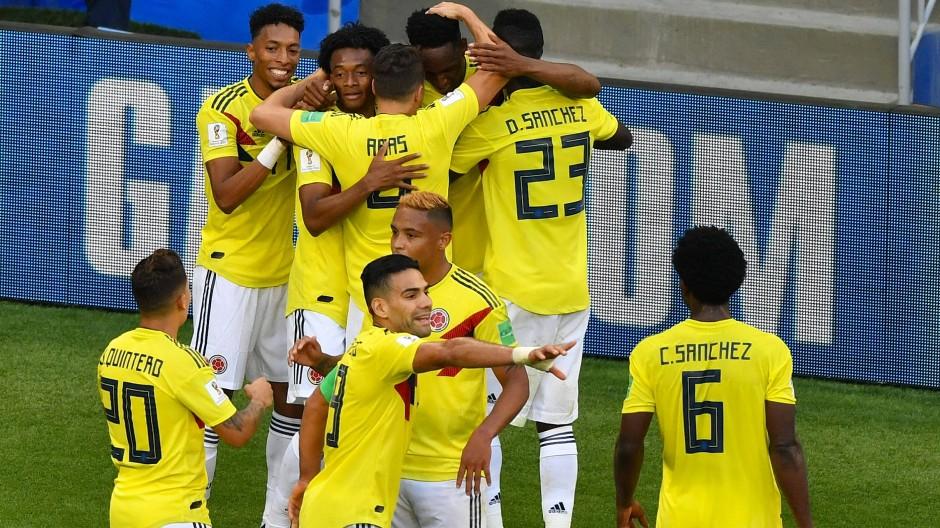 Auch ohne Star James erfolgreich: Die kolumbianischen Spieler freuen sich über den knappen Sieg gegen Senegal.