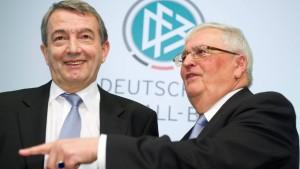 Der lange Streit zwischen Zwanziger und Niersbach