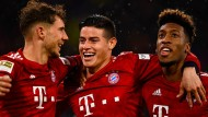 Die Gesichter strahlen wieder: Der FC Bayern um Leon Goretzka, James Rodriguez und Kingsley Coman (von links) siegt in der Bundesliga.