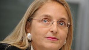 Kommissionsleiterin Paoli bleibt – vorerst