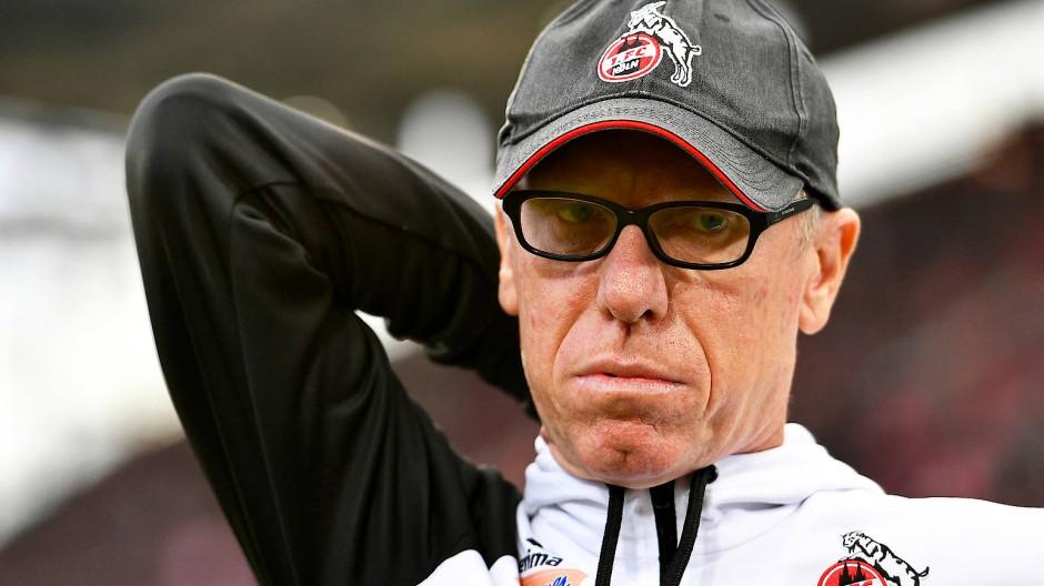 Kölns Trainer Stöger hatte es nicht leicht an der Seitenlinie.