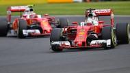 Sebastian Vettel und Kimi Raikkönen blieben bislang hinter den Erwartungen. Doch die Fahrer sind nicht die Schuldigen.
