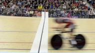 Schneller als der Blitz: Rohan Dennis im Velodrom von Grenchen