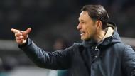 Richtungweiser: Niko Kovac würde gerne am 27. Mai wieder mit der Eintracht in Berlin spielen – und es dann besser machen als am vergangenen Samstag.