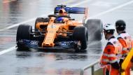 Fernando Alonso in seinem Formel-1-Wagen beim Training in Le Castellet.
