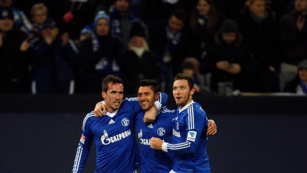Strahlende Schalker: Königsblau gewinnt zum Rückrundenstart torreich