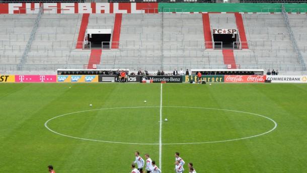 DFB entschuldigt sich für Abdecken von Banner