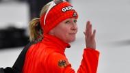 """Tschüss Deutschland: Claudia Pechstein bekam von Trainer Erik Bouwman mitgeteilt, dass er ?keinen Bock"""" darauf habe, dass sie in der deutschen Auswahl trainiere."""