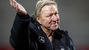 Hrubesch gibt Comeback beim HSV