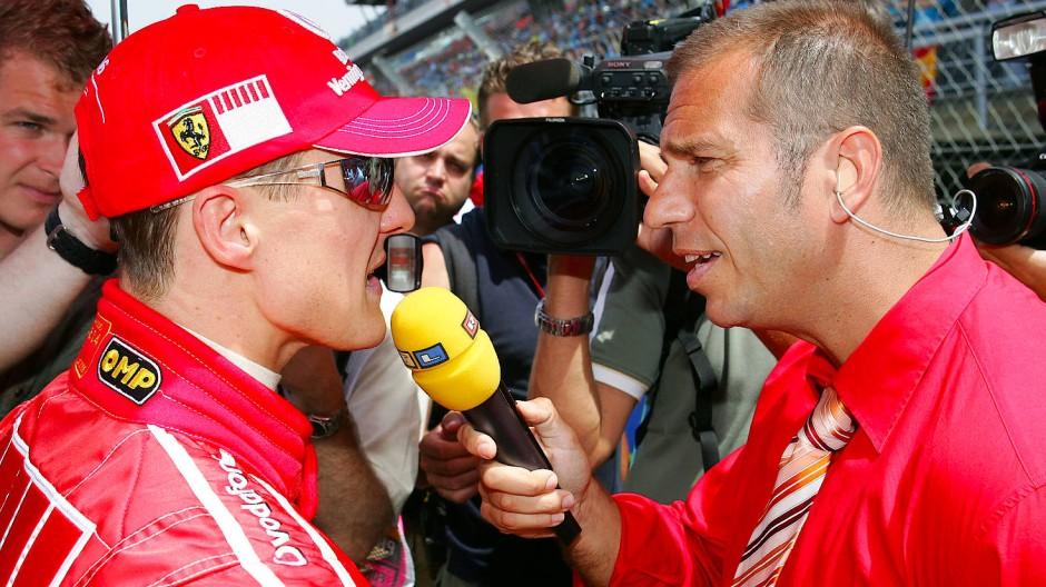 Aus der Hochzeit des deutschen Sonntagssports: Kai Ebel interviewt Michael Schumacher bei RTL.