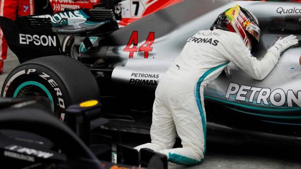 Hamilton-Sieg sichert Konstrukteurstitel