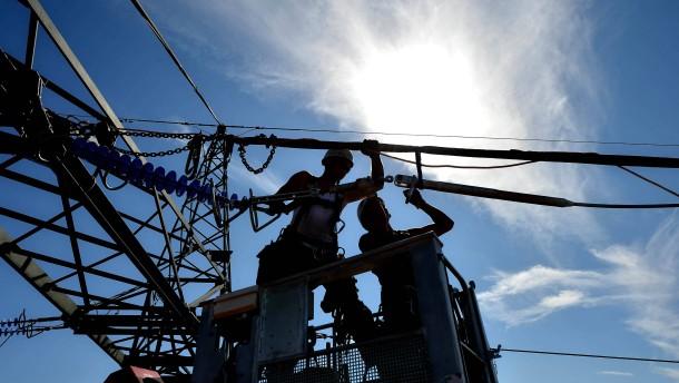 Mit welchen Mehrkosten muss beim Strom 2013 gerechnet werden? FAZ.NET beantwortet die wichtigsten Fr