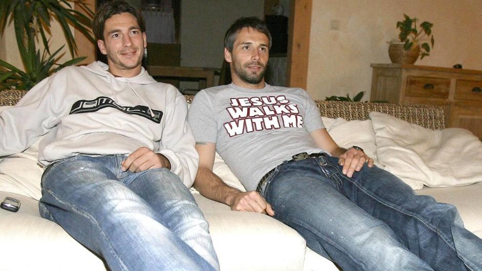 Ein Bild aus WG-Zeiten: Sandro Schwarz und Marco Rose (rechts) im Jahr 2007.