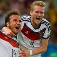 Ihr bester Moment: Andre Schürrle (rechts) legt vor, Mario Götze trifft im WM-Finale 2014.