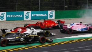 Vettel verliert erst den Flügel – dann das Rennen